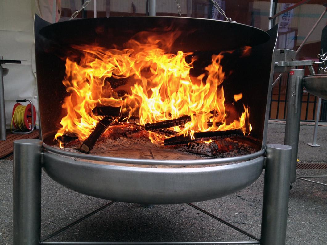 pizzaofen einsatz f r feuerschale standfeuerschale mit galgen 900. Black Bedroom Furniture Sets. Home Design Ideas